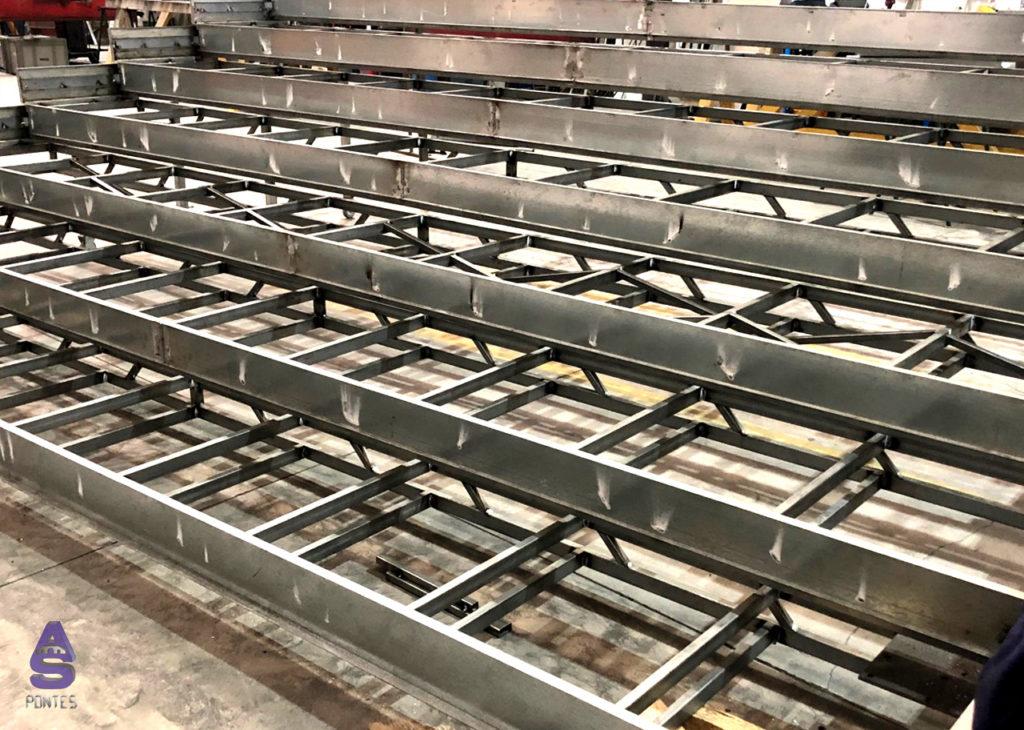 escaleras telescópicas carpintería metálica en santiago 1
